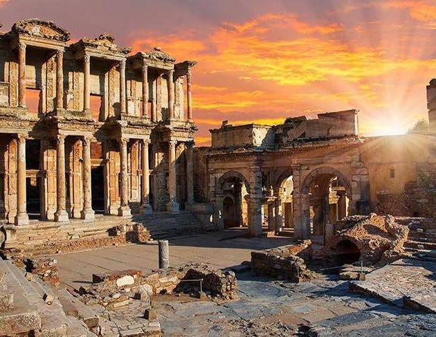A Day Full of History in the Seljuk Region of Izmir: Ancient City of Ephesus