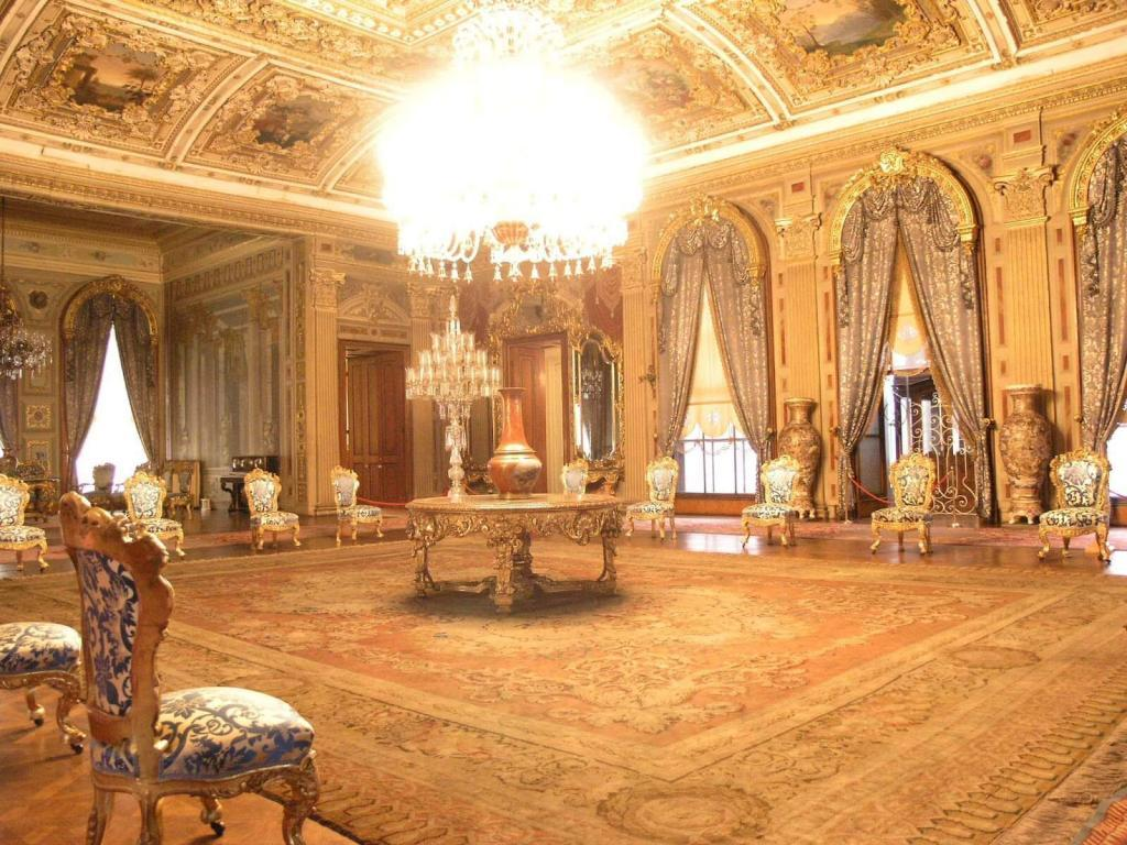Dolmabahce Palace / Mabeyn Room