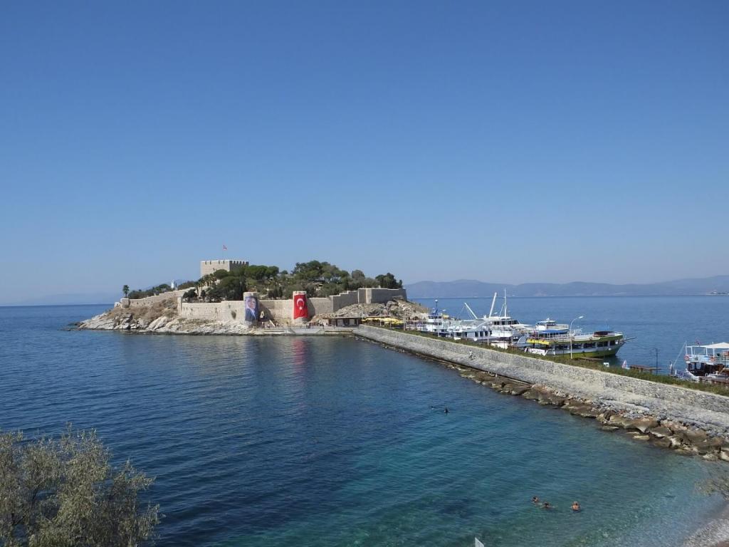 Guvercinada - Pigeon Island