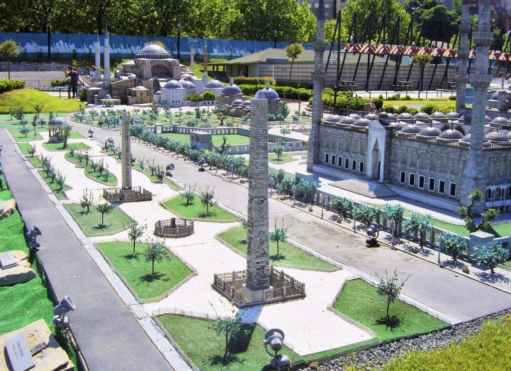 A miniature of the Hippodrome