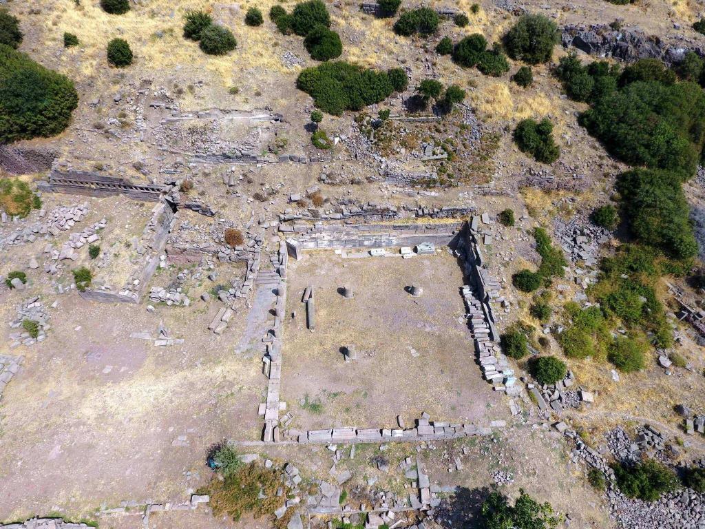 Necropolis / Assos Ancient City