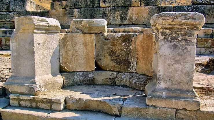 Fountain of theTritons / Hierapolis