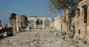 Northern Byzantine Gate / Hierapolis