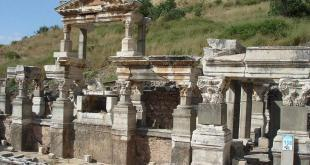 Roman Baths / Ephesus Ancient City