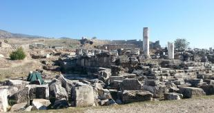 Temple of Apollon / Pamukkale - Hierapolis Ancient City