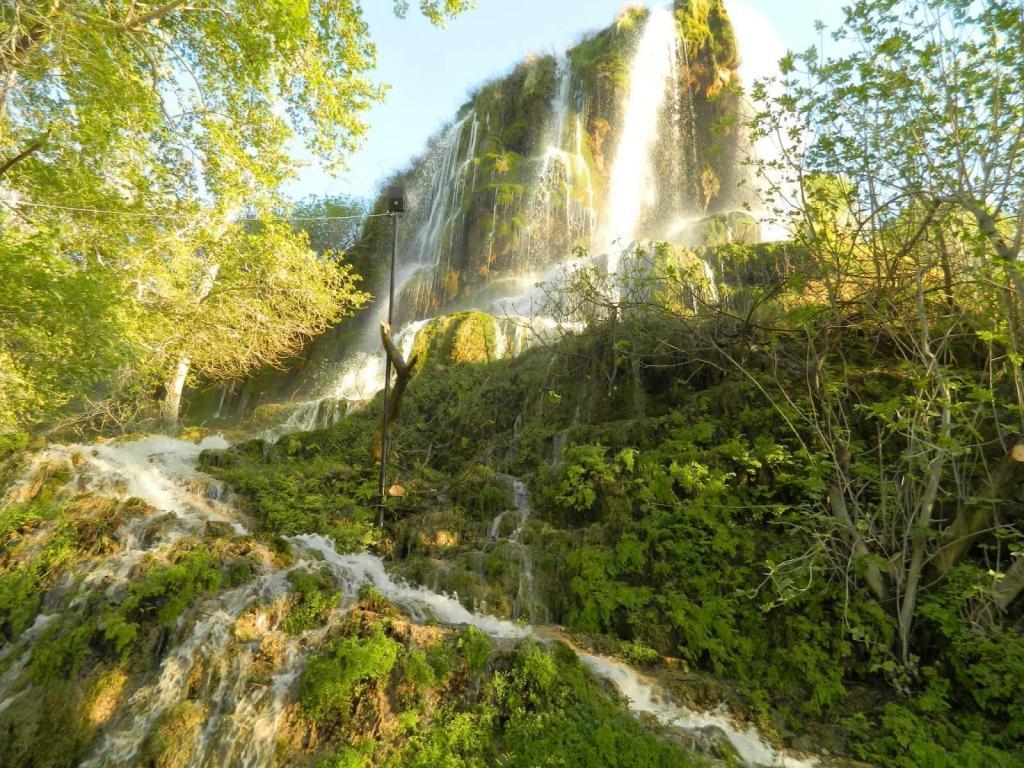 Yesildere Waterfall / Pamukkale