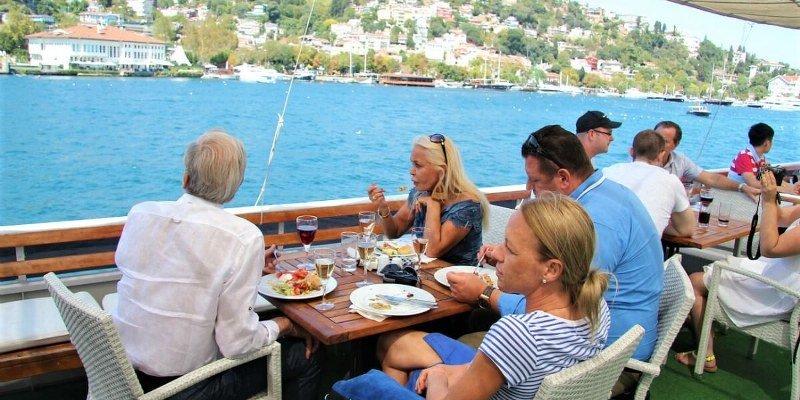 Lunch Cruise on Bosphorus